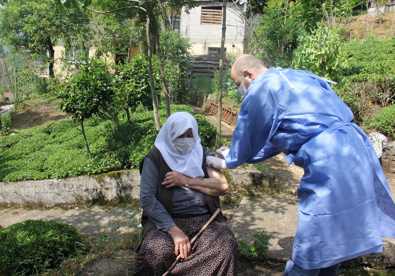 Rize'de pandemiye karşı aşı seferberliği sürüyor