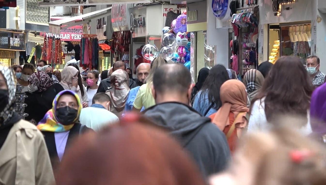 Türkiye'de nüfusuna oranla en fazla Covid 19 vakası görülen il olan Rize'de vakaların 2-3 hafta içinde hızla düşmesi bekleniyor