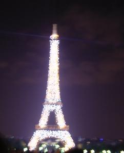 パリ エッフェル塔 ライトアップ