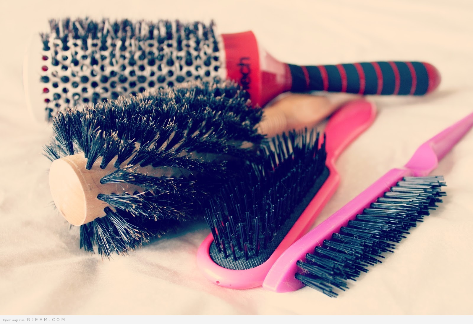 How to clean hair brushes. Leanne marie blog