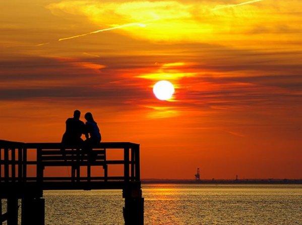خواطر عن غروب الشمس وجمال وهدوء البحر مجلة رجيم