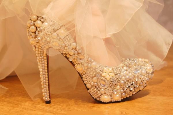 صور احذية للعرائس جديدة