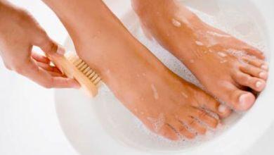 صورة كيف تحافظين على نظافة قدميك؟