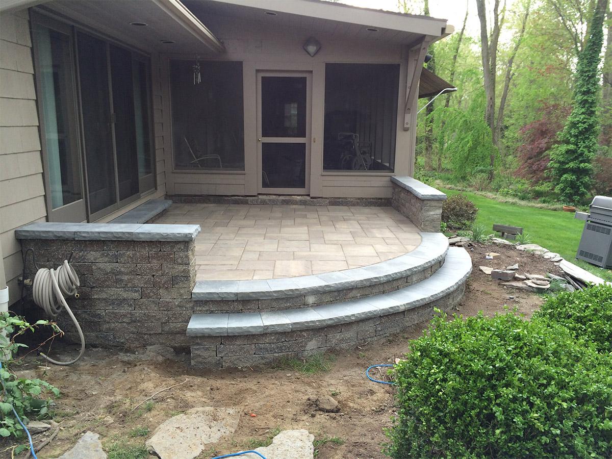 raised patio longmeadow ma 01106