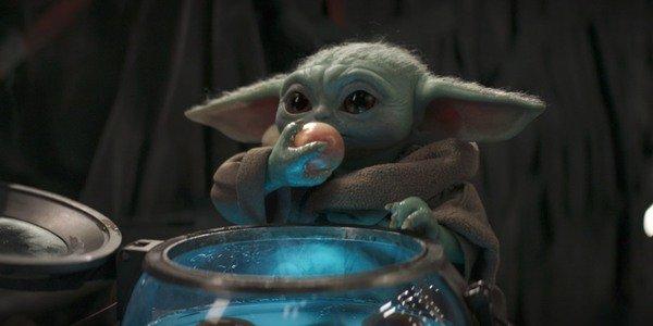 The Mandalorian Episode 10- Baby Yoda Eating Eggs