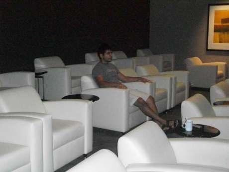 Hawaii Vacation - Rishi Airport Lounge