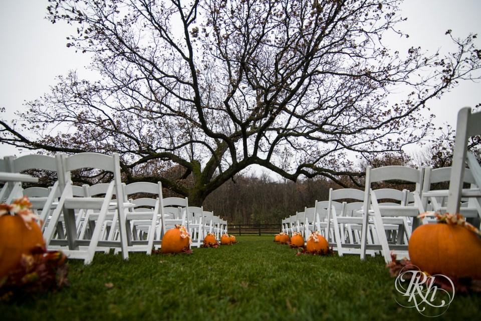 Halloween wedding pumpkins aisle