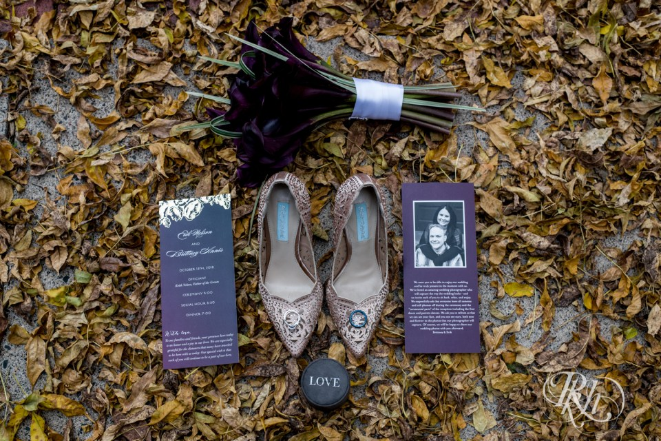 October wedding details