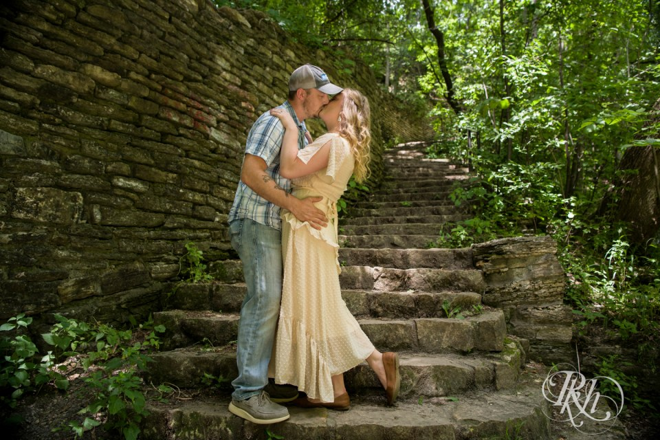 summer engagement photography stairs