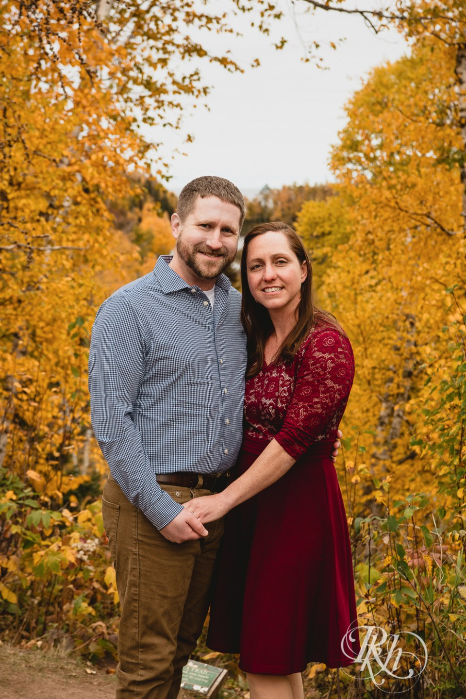 couple's photo fall colors gooseberry falls