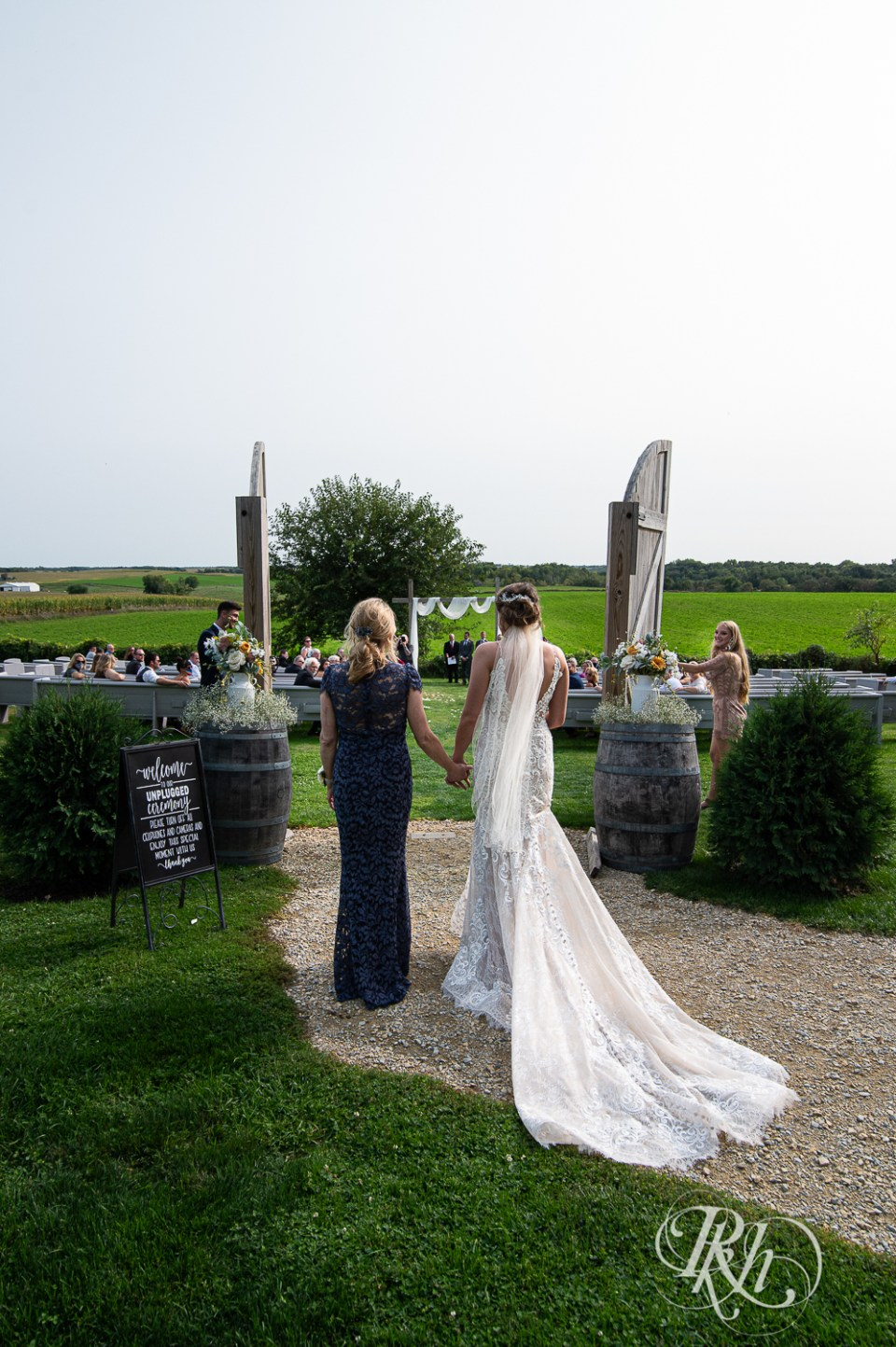 legacy hill farm barn wedding ceremony