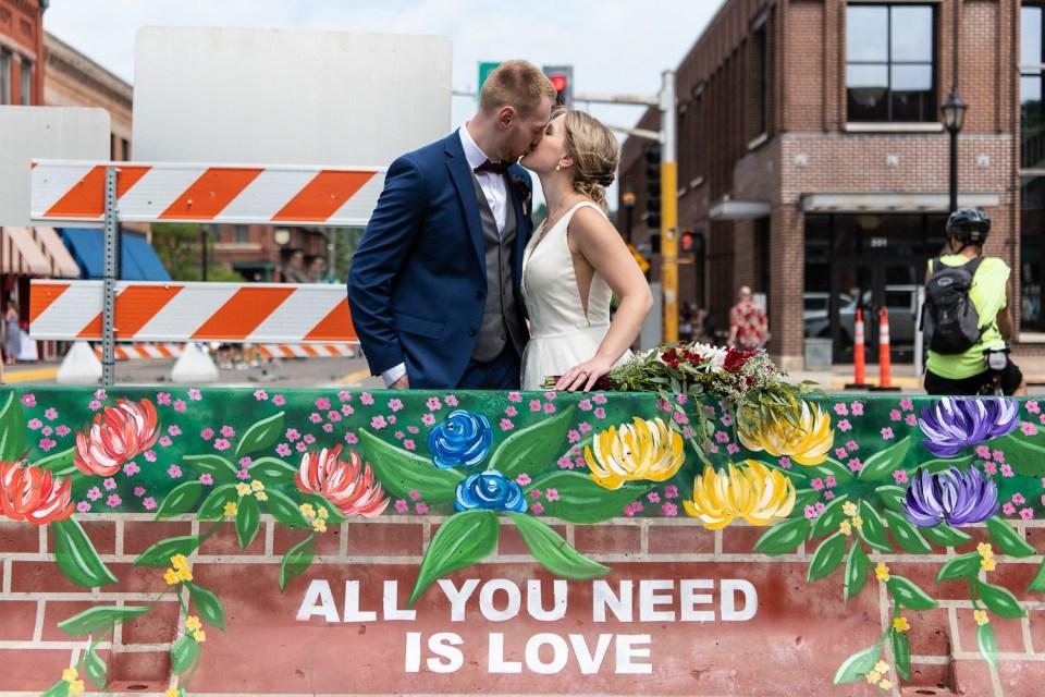 best of 2020 wedding bride and groom kissing