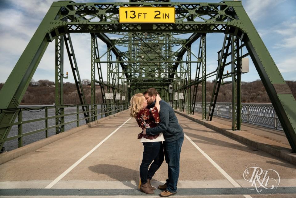 sunny engagement photography stillwater minnesota kiss bridge