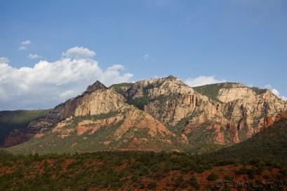Les montagnes rouges et blanches de Sedona