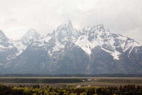 Grand Teton (le grand teton est au milieu, bien pudique dans les nuages)