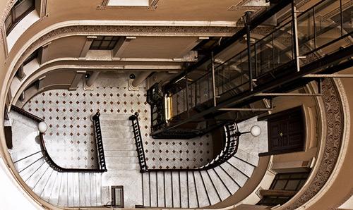 L'escalier de l'hostal Oliva à Barcelone (Photo : Hostal Oliva)