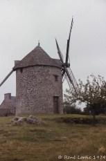 Moulin à vent en Bretagne, région de Combourg