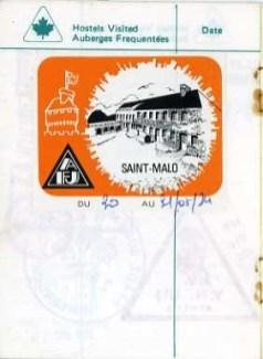 Souvenir de notre passage à l'auberge de Saint-Malo du 30 au 31 mai 1974. C'était notre première journée de travail à Cancale, mais la pluie nous a empêché d'installer notre tente.