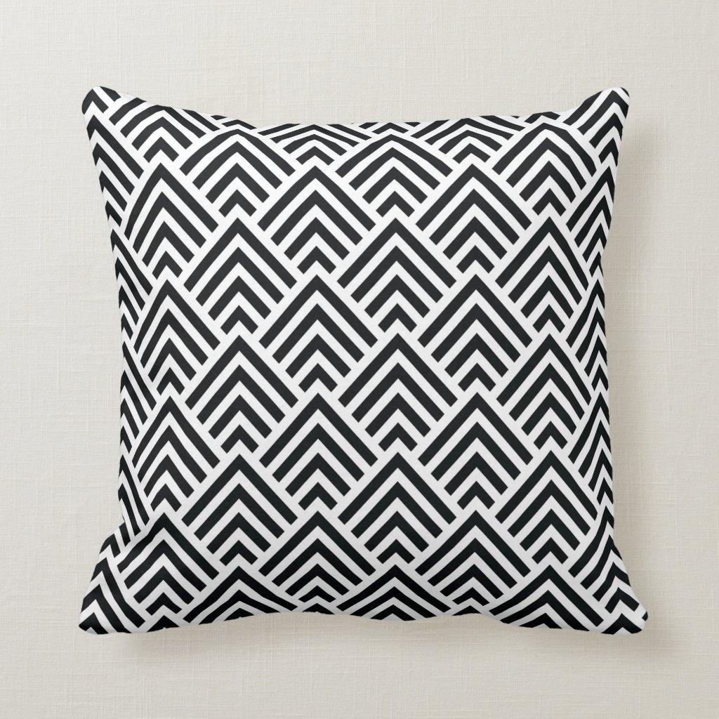 Elegant Black and White Chevron Geometric Pattern