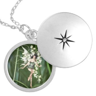 A Glow in the Garden Necklace