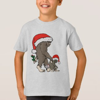 Christmas Bigfoot Family T-Shirt
