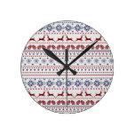 Cozy christmas pattern design round wallclock