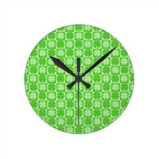 Lucky Shamrock Round Clock