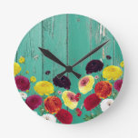Runinculus and green fence round clock