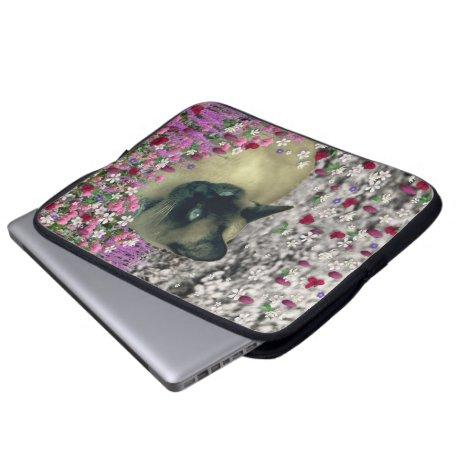 Stella in Flowers I – Chocolate Cream Siamese Cat Computer Sleeve
