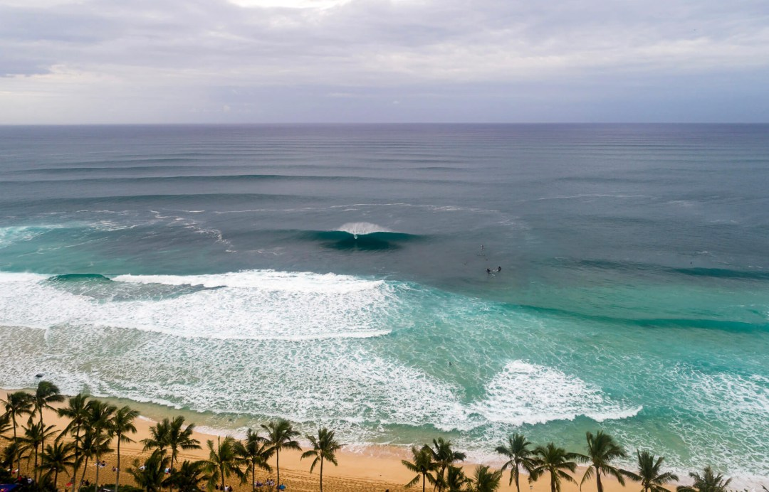 Volcom Pro 2018 - As is common during the Volcom Pipe Pro, Pipeline delivered for three straight days. Solid west swell and straight offshore winds. Inset: This means that the Hawaiian Water Patrol were kept busy. Photos: Jeremiah Klein