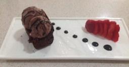 Brownie de chocolate con helado