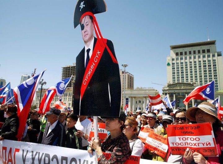 Mongolia.- Miles de personas se manifiestan en la capital de Mongolia para pedir la dimisión del Gobierno