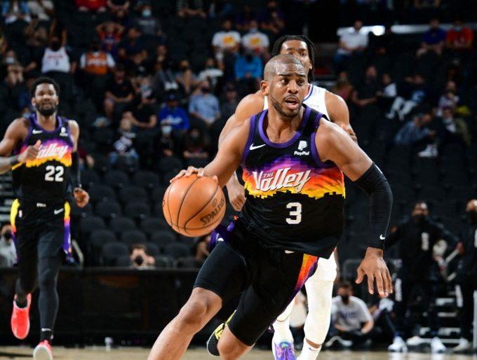 Chris Paul, #3 de los Phoenix Suns, ha sido clave en el buen desempeño del equipo está temporada.        (Foto: Michael Gonzales / NBAE / Getty Images / Getty Images via AFP)