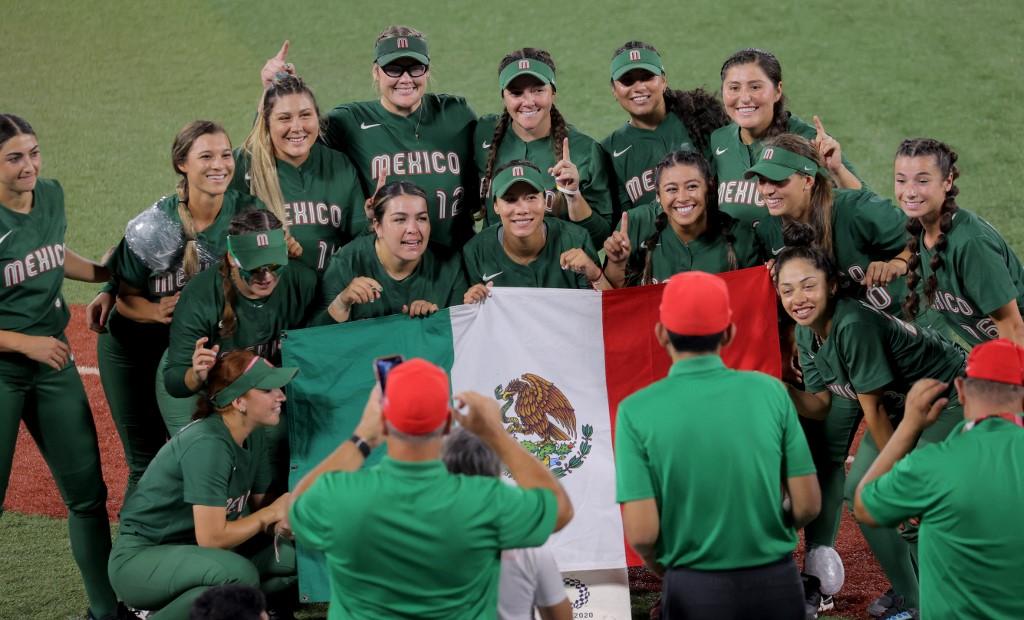 Equipo de Softbol de México que jugó en Tokio-2020.  (Foto: KAZUHIRO FUJIHARA / AFP)