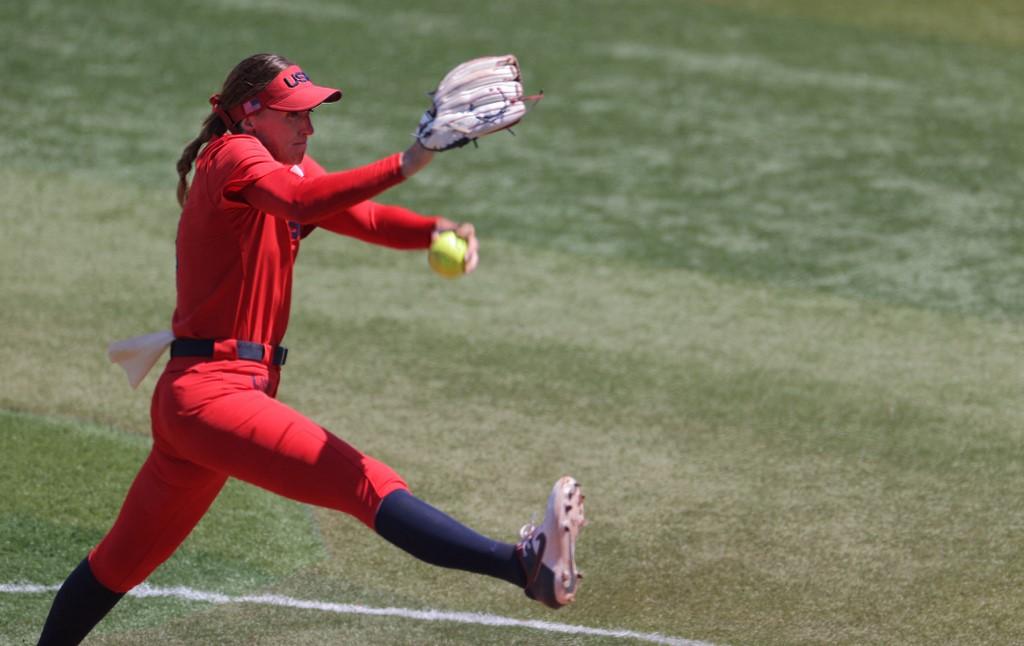 La lanzadora Monica Abbott en acción.  (Foto: KAZUHIRO FUJIHARA / AFP)