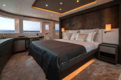 Nomad 95 SUV Main Deck Owners Stateroom