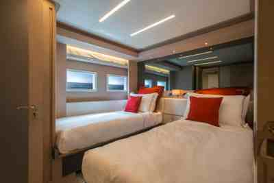 Nomad 75 SUV Twin Guest Stateroom