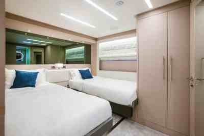 Nomad 95 SUV Twin Guest Staterooms