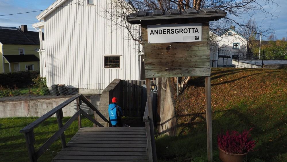 Eingang zur Andersgrotta in Kirkenes