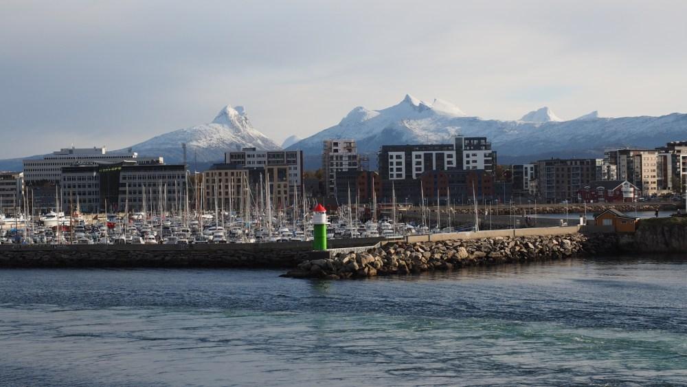 Die MS Polarlys läuft in Bodø ein