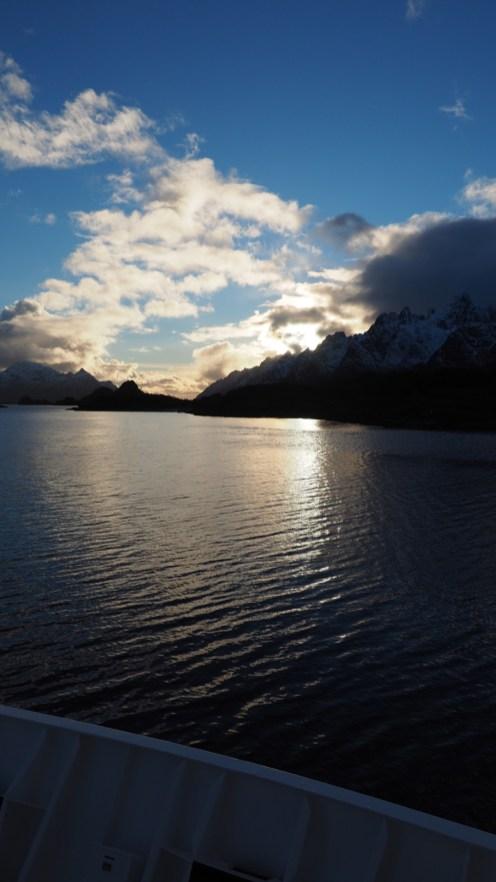 Wir nähern uns dem Trollfjord