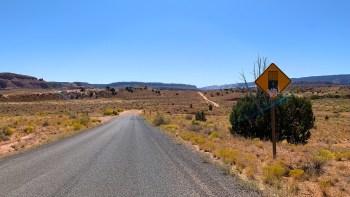 Notom Bullfrog Bassin Road
