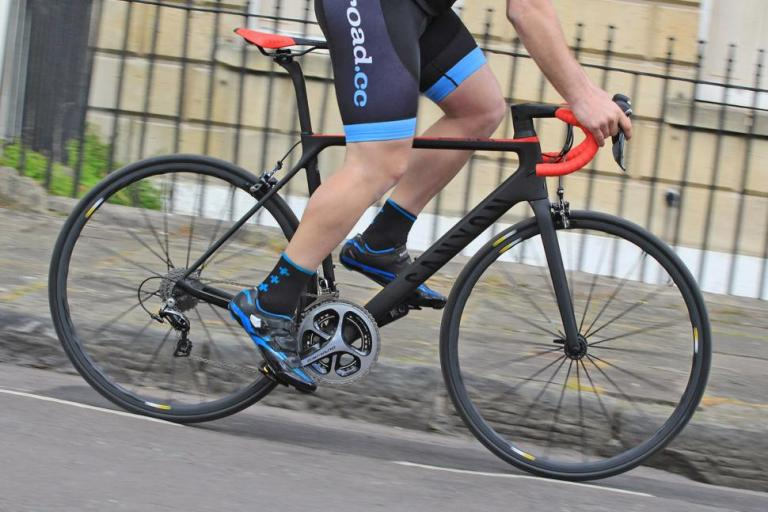 Canyon Ultimate CF SLX - riding 1.jpg