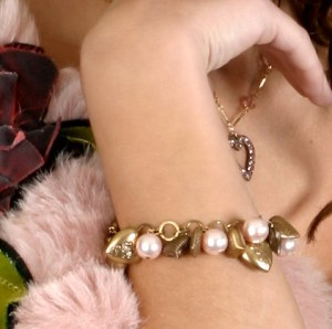 baby-girl-boutique-hearts-charm-bracelet-baby-pink-pearls-2