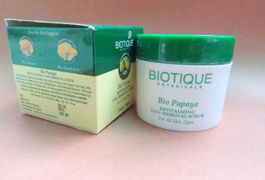 Biotique Bio Papaya Revitalizing Tan-Removal Scrub Review