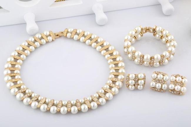 classic pearl jewellery set