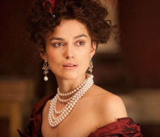 pearl jewellery illuminates complexion