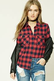 90s fashion trend checkered flannel shirt