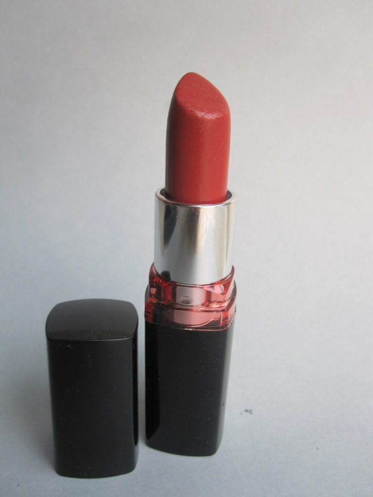 Maybelline Color show Lipstick Cream Caramel Review