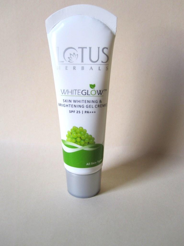 Lotus Herbal White Glow Skin Whitening and Brightening Gel Crème SPF-25
